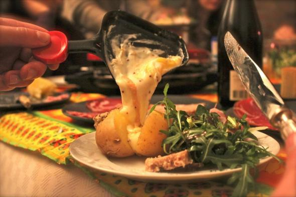 what is raclette and how to prepare it eat the globe. Black Bedroom Furniture Sets. Home Design Ideas