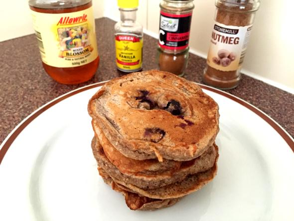 http://www.eattheglobe.com/post-upload/honey-spiced-pancakes.jpg